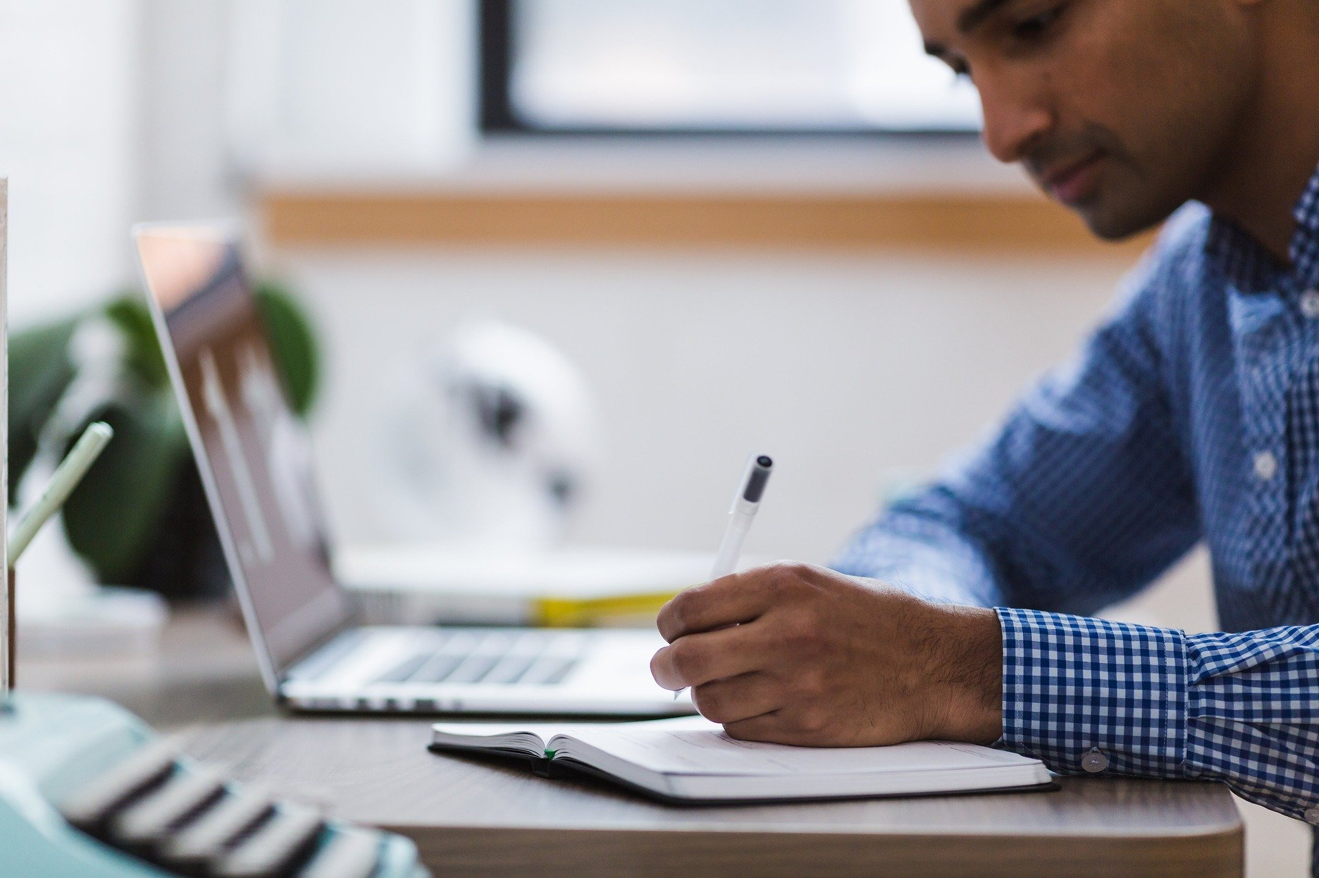 Man taking a practice exam from NCEExamprep.com to prepare for the NCE Exam